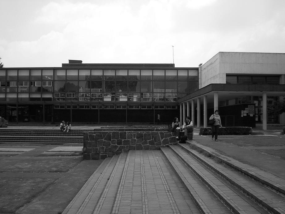Acreditan a la unam bern s arquitectos for Decano dela facultad de arquitectura